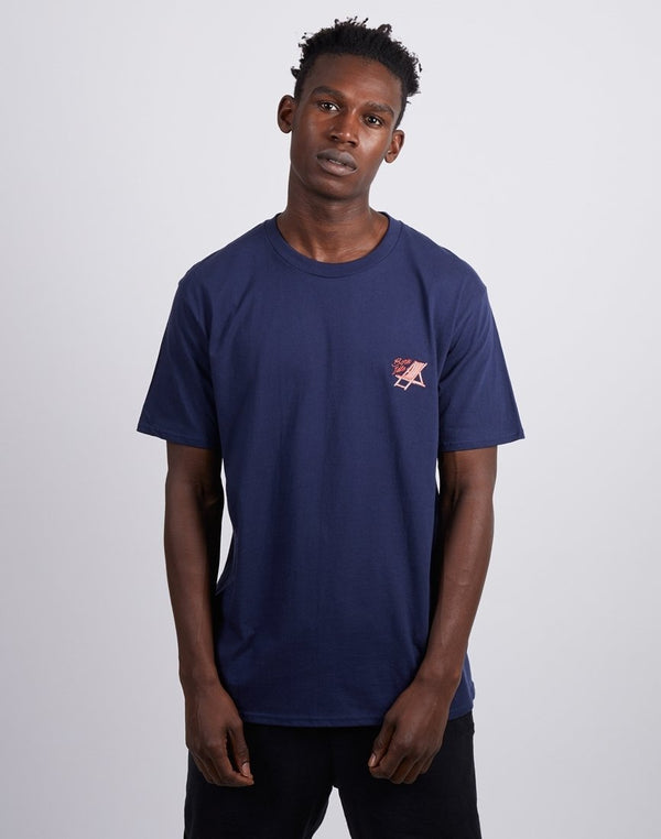 The Idle Man -Born Idle Deck Chair Chest Embroidered T-Shirt Dark Navy
