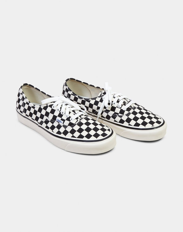 Vans - Authentic 44 DX Plimsolls Black & White Checks