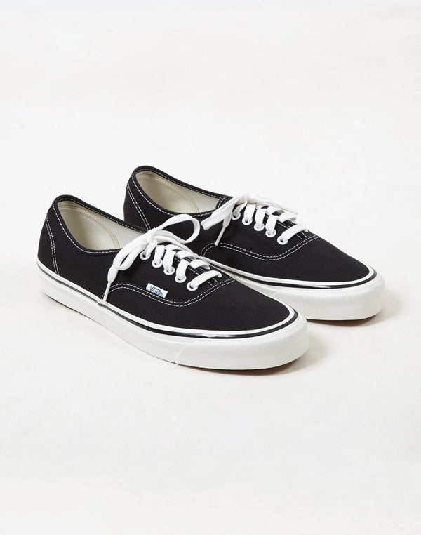 Vans - Authentic 44 DX Plimsolls Black