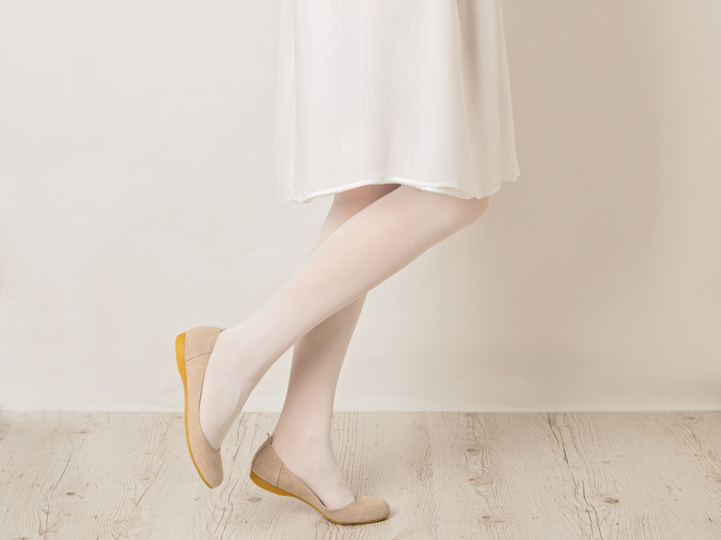 Tone on tone white pantyhose