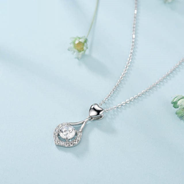 GEOMETRIC CHARM HOLLOW HEART NECKLACES