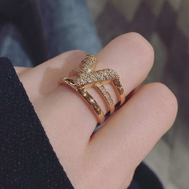 SPARKLING V-SHAPED ADJUSTABLE RINGS