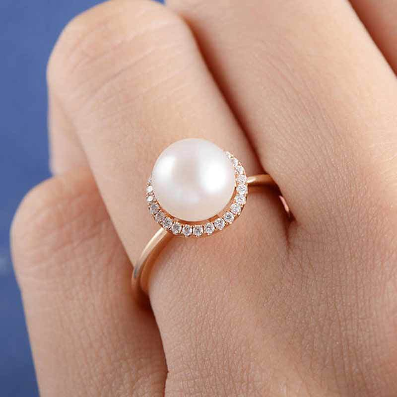 Stunning V-Shaped Pearl Embedded Rings