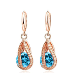 Dangling Drop-Shaped Earrings