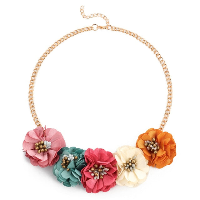 CHUNKY FLOWER & PEARL NECKLACE