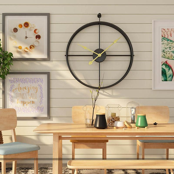 CIRCULAR GOLD BLACK WALL CLOCK