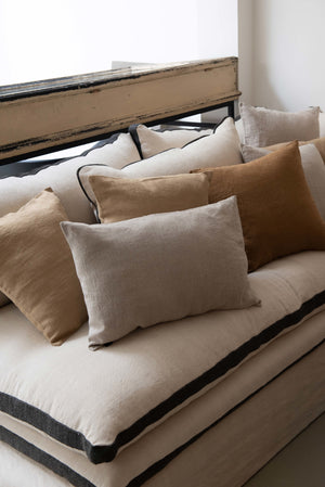 Saba pillow - linen - camel