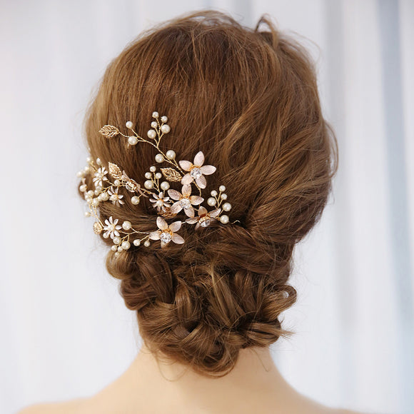 Exquisite Hand-Crafted Bridal Pearl and Flower Hair Accessory - The Dahlia Collective