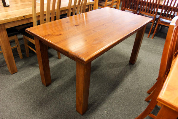 Donnelly 1800 Table