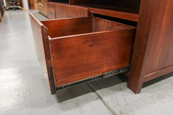 Erin Jarrah 2M TV Unit