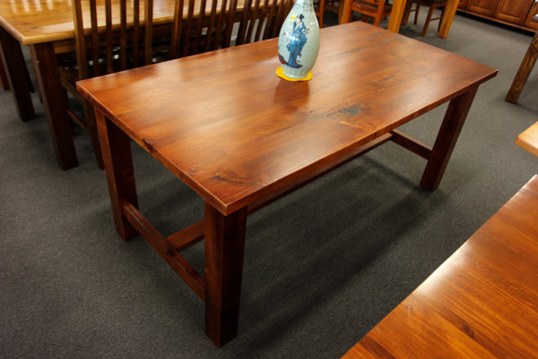 Newcastle 1800 Dining Table