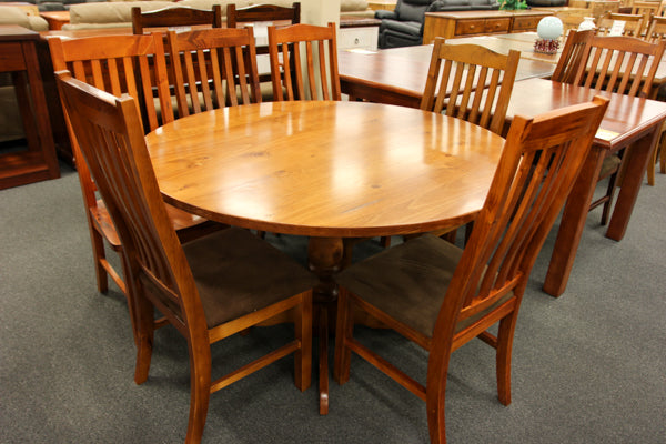 Pine 1250mm Round Table