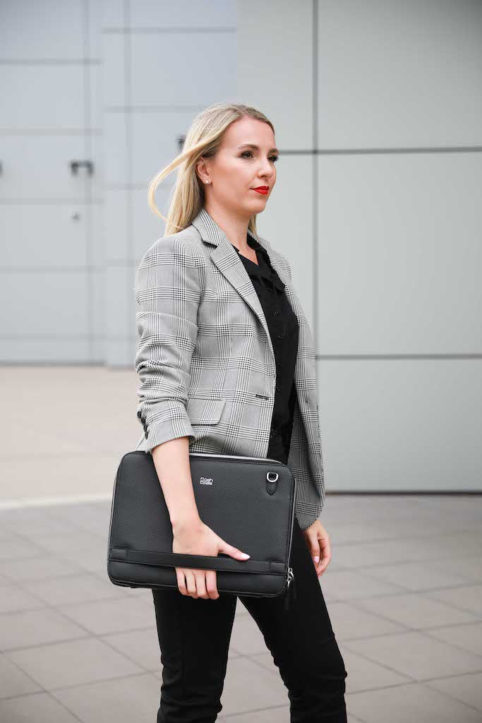 Olivia Laptop Folio - black