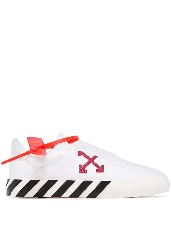 OFF-WHITE canvas arrow low top vulcanized