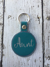 Load image into Gallery viewer, Aunt Keychain Gift