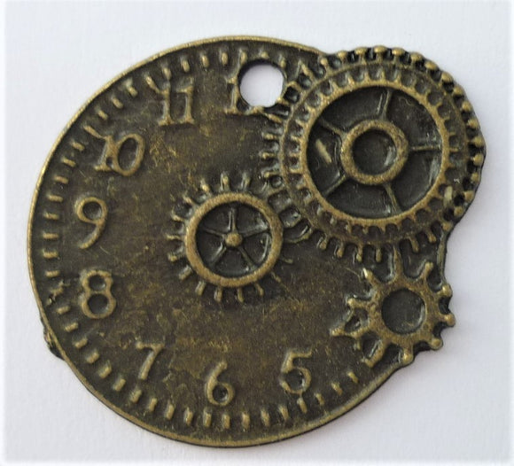 Metal Clock Trinket