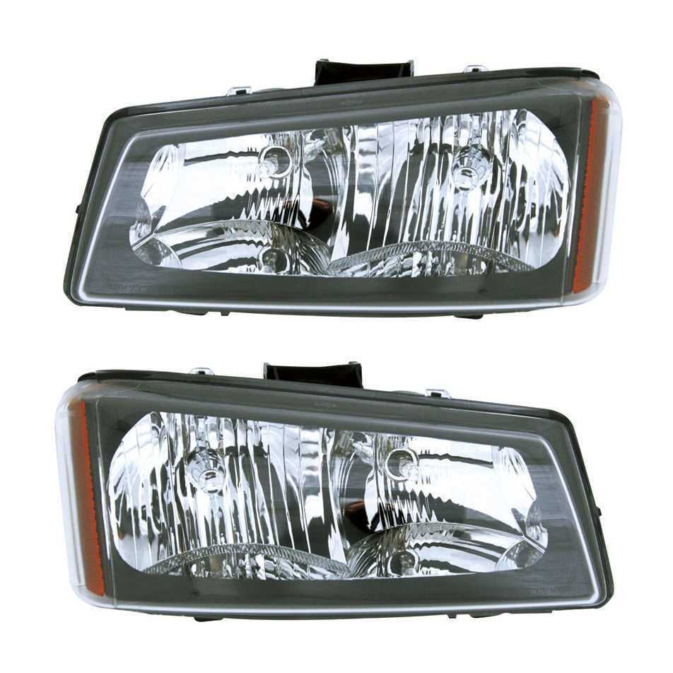 Pair of Front Headlight Assemblies fits 03-04 Chevrolet Sliverado 1500 2500 3500