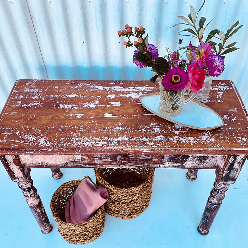 Pinkie G Side Table