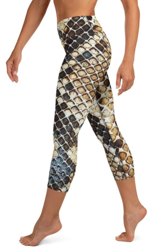 Gold Venom Yoga Capri Leggings - Legs Of Anarchy