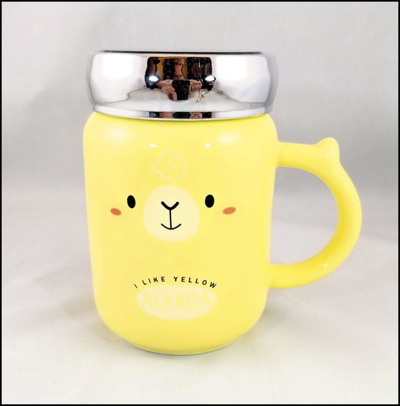ceramic mug with lid - fun yellow alpaca