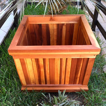 Load image into Gallery viewer, Santa Barbara Redwood Planter Box - Best Redwood