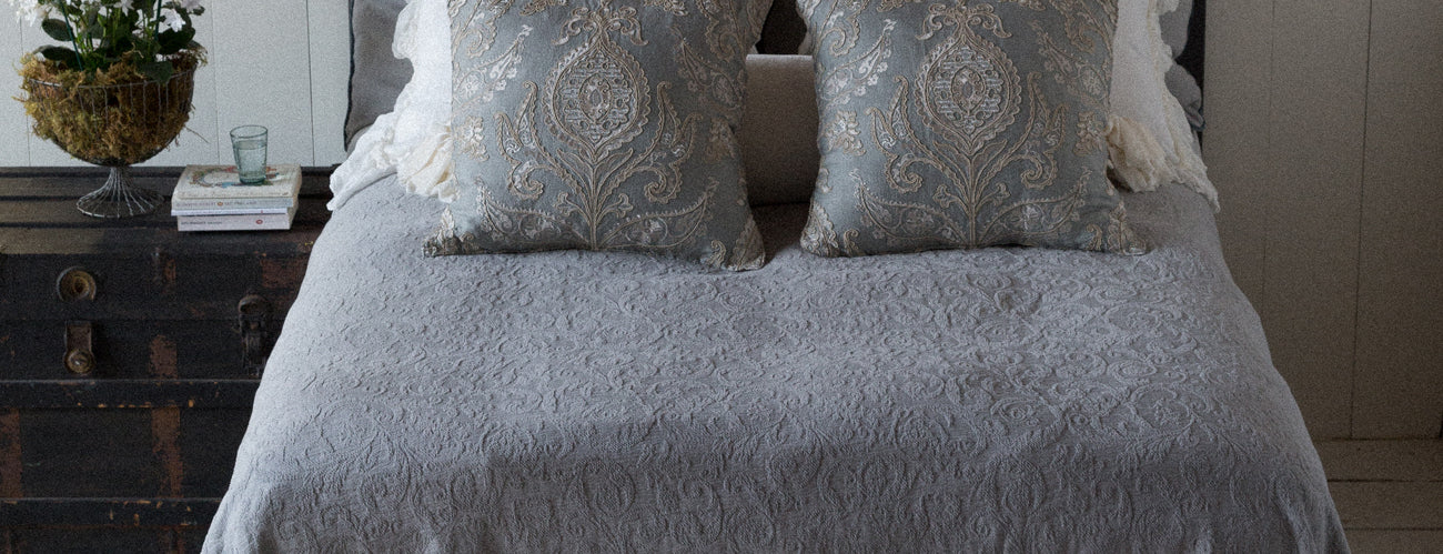 Bella Notte Linens Adele Collection