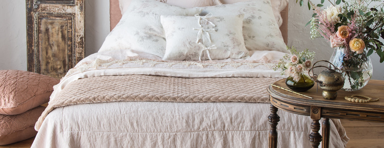 Bella Notte Linens Throws Collection