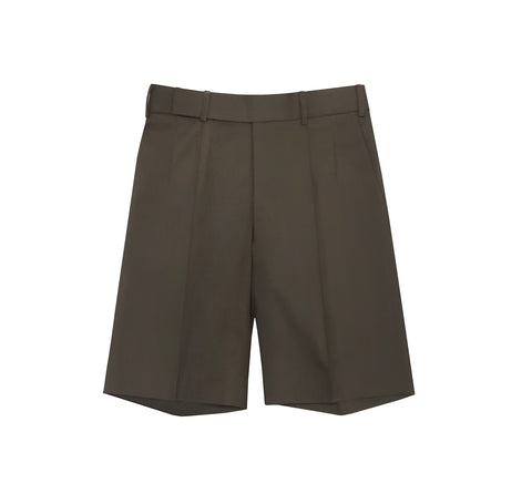 OLIVE BERMUDA PLEATED SHORTS