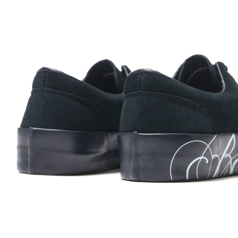 UNDERCOVER UCR4F02-2 Sneakers in Suede