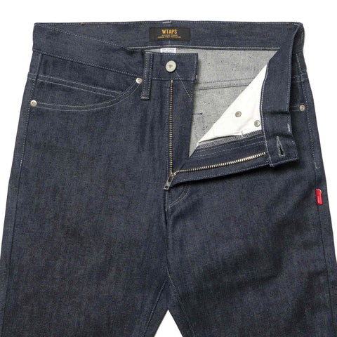 WTAPS Blues. Very Skinny. Raw / Trousers. Cotton. Denim. Raw Indigo