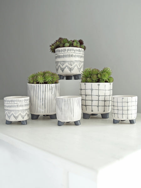 Ceramic Patterned Raised Pot