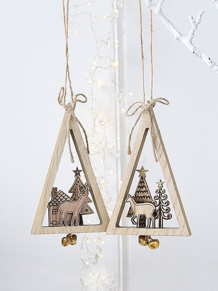 Wooden Reindeer Scene Triangles