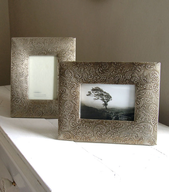 Bweju Metal Photo Frame