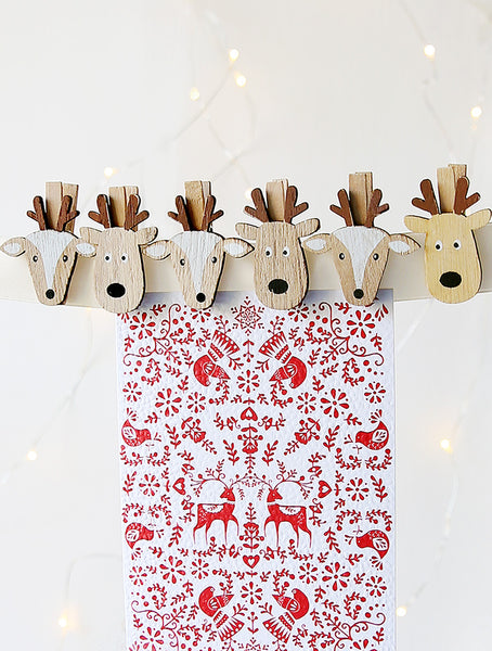 Reindeer And Doe Card Pegs