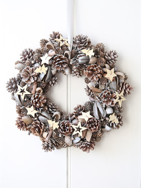 Woodland And Stars Illuminated Wreath