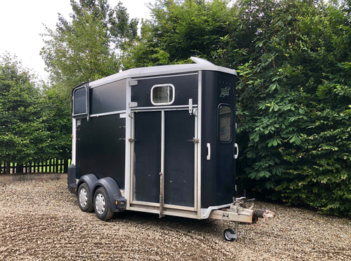 Ifor Williams 511 Horsebox - Black