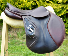 "Load image into Gallery viewer, CWD 2GS 17.5"" Saddle"