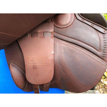 "Load image into Gallery viewer, CWD Classic 18"" Saddle"