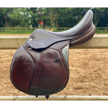 "Load image into Gallery viewer, Equiline Nick Skelton 17.5"" Brown Jump Saddle"