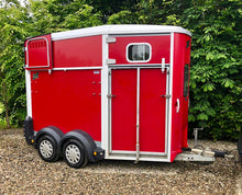 Load image into Gallery viewer, Ifor Williams 506 Horsebox