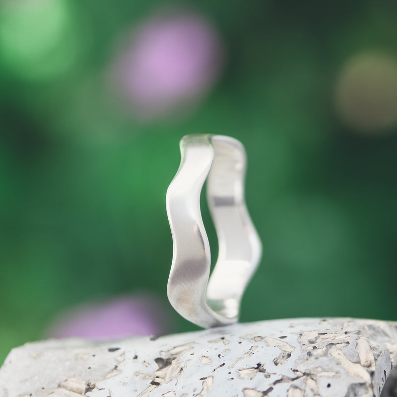 Wide Wave Ring