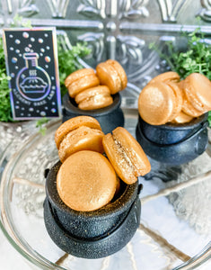 +POT OF GOLD | MINI GOLDEN BUTTERSCOTCH MACARONS: - Alchemy Bake Lab
