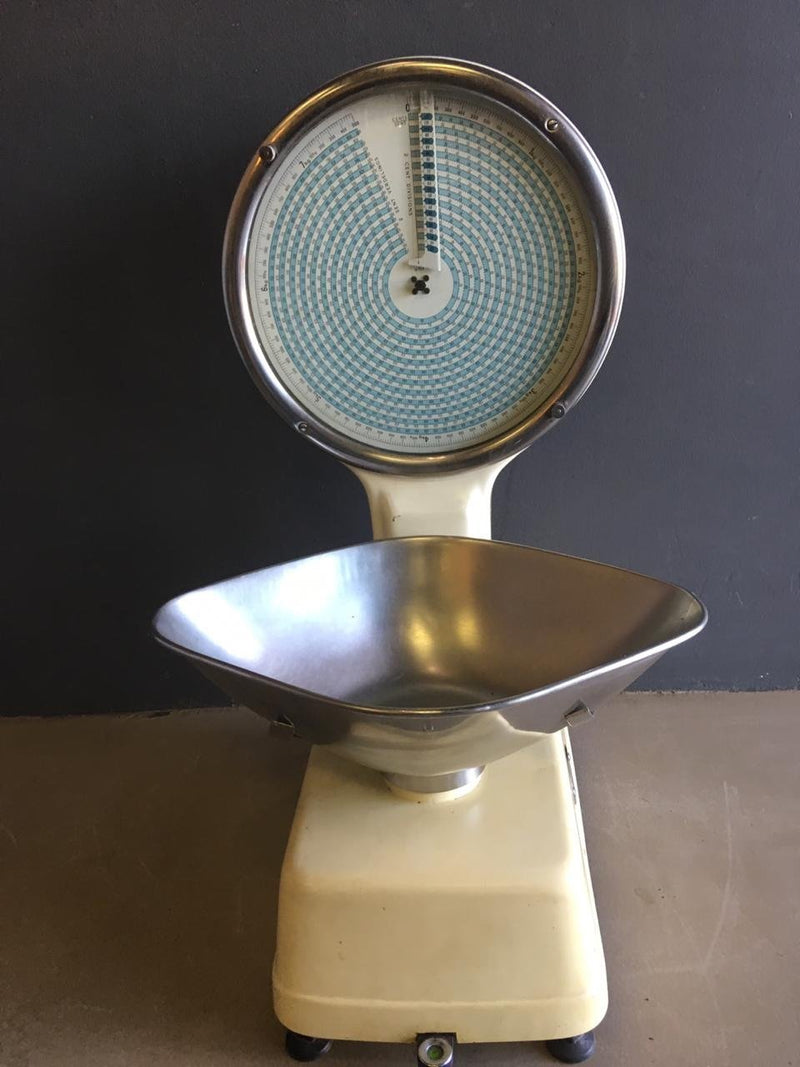 Vintage Kitchen Scale - 2ndhandwarehouse.com