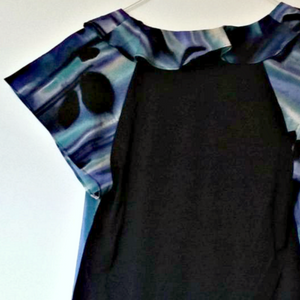 Armani Exchange Top Blue Ruffles Blouse Ruffled Swirl Navy Size Small