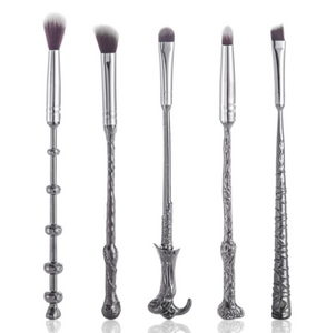 LIMITED EDITION HARRY POTTER MAKEUP BRUSHES(TO DAY FREE SHIPPING)