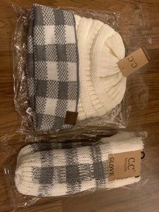 C.C plaid set mittens and hat