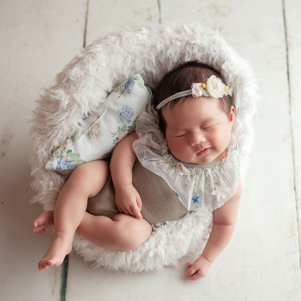 Bestebaby 3Pcs Newborn Photography Props Suit Lace Romper Hat Pillow Headband Set Knit Outfits Clothing Infants Shooting Photo Gifts