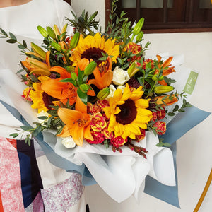 Smile, sunshine! - Happy Florals