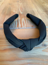 Load image into Gallery viewer, Black Knot Headband
