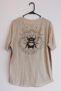 Bee Pocket Tee